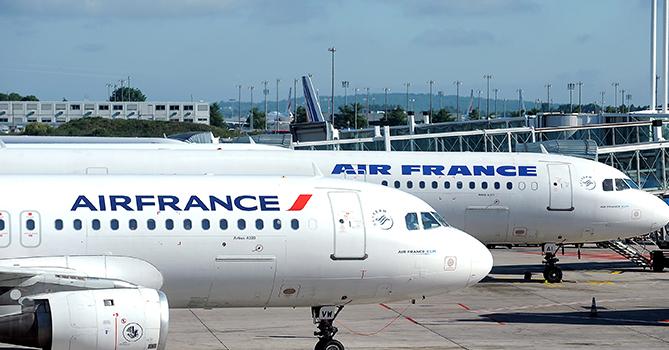 Власти Франции окажут госпомощь Renault и Air France