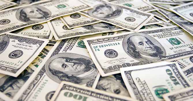 На валютном аукционе ЦБА спрос на доллар снизился