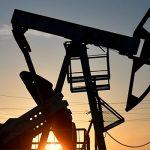 Нефть WTI завершила торги с обвалом на 300%