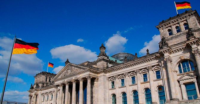 В Берлине пострадали 93 полицейских