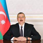 Президент Ильхам Алиев наградил группу работников морского транспорта
