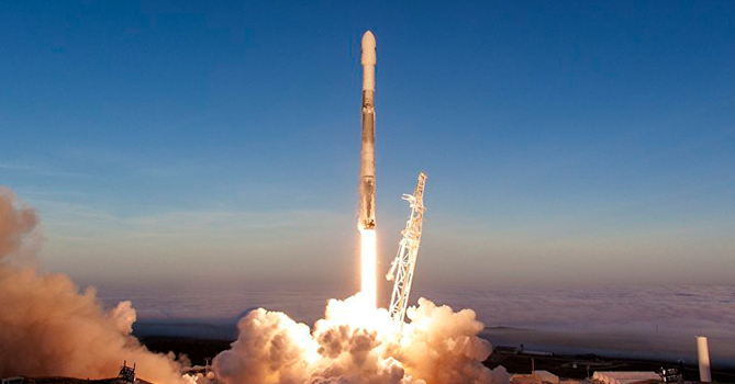 SpaceX намерен запустить на орбиту 60 интернет-спутников Starlink