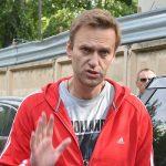 Полиция задержала Алексея Навального у его подъезда