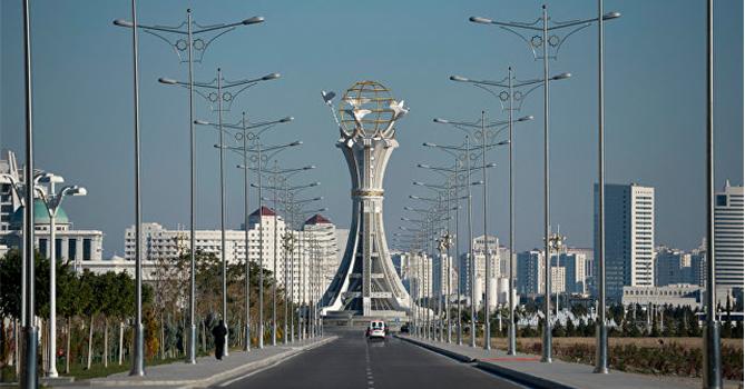 Туркменистан: Заразы как будто нет, но ограничений все больше