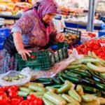 Лето - пора дешевых фруктов и овощей, но этому что-то мешает…