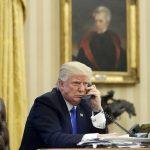 Трамп назвал глупыми тех, кто советовал ему не звонить Путину