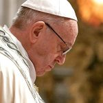 Папа римский признал поражение в борьбе со священниками-педофилами