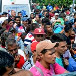 В Каракасе проходит митинг нефтяников в поддержку Мадуро