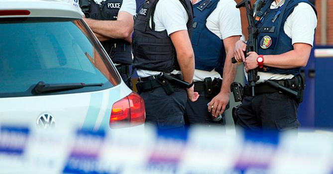 В результате беспорядков в Белграде пострадали 43 полицейских и 17 демонстрантов