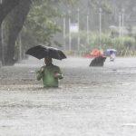 Число погибших от наводнений и оползней в Индии достигло 417