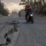 В Индонезии три студента погибли при затоплении пещеры