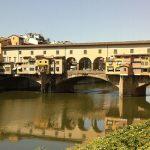 За нарисованное сердце на мосту XIV века - штраф 3 тысячи евро