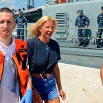 Упавшая за борт пассажирка лайнера рассказала, как выжила 10 часов в воде