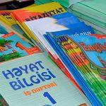 Издательствам в Азербайджане поручено снизить вес учебников
