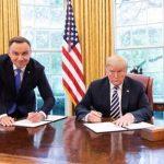 Польский телеканал уволил сотрудника за фото Дуды с Трампом