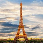 Власти Парижа хотят запретить онлайн-сервис аренды жилья