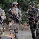 """Польша хочет разместить """"Форт Трамп"""" у своих восточных границ"""