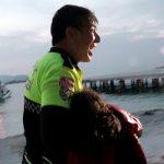 Турецкий полицейский пытался спасти девочку-беженку