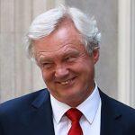 Дэвид Дэвис призвал министров выступить против политики Мэй