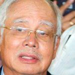 Экс-премьера Малайзии допрашивали шесть часов по обвинению в коррупции