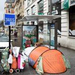 Мэр Парижа предложила размещать бездомных в ратуше