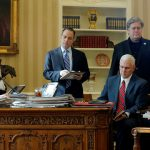 В Белом доме готовятся к последствиям в случае победы демократов