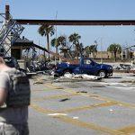 """Ураган """"Майкл"""" нанес серьезный ущерб базе ВВС США во Флориде"""