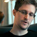 Эдвард Сноуден назвал «возмутительным» инцидент с самолетом Ryanair в Минске