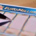 В Великобритании строитель выиграл в лотерею 105 миллионов фунтов