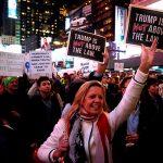 Массовые протесты в защиту спецпрокурора Роберта Мюллера начались в США