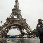 Во время протестов в Париже повредили здание украинского посольства