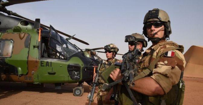 Президент Франции поддержал политику премьера Ирака и пообещал ему продолжить борьбу с ИГ