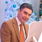 Президент Туркменистана исполнил собственную новогоднюю песню