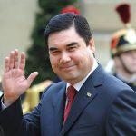 Президент Туркменистана приехал на работу на велосипеде