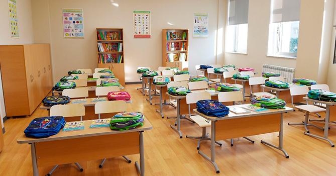 В ряде городов Азербайджана с сегодняшнего дня открываются школы
