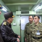 Министр обороны проверил боеготовность бронетехники, размещенной в прифронтовой зоне