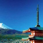 Рекордное количество японцев пришло поздравить императора с Новым годом