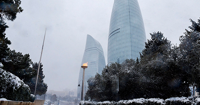 В Баку ожидается снег и метель