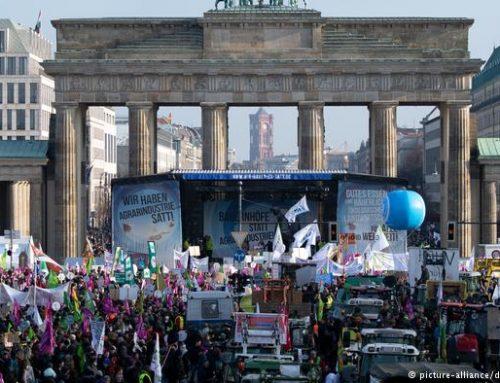 В Берлине тысячи фермеров потребовали изменения аграрной политики