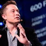 Илон Маск потерял место в пятерке богатейших людей мира после падения акций Tesla