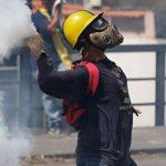 Число жертв столкновений в Венесуэле выросло до 16 человек