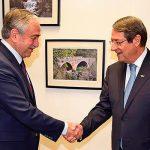 Главы общин Кипра провели телефонный разговор