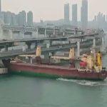 Капитан врезавшегося в мост в Пусане судна отрицает, что был пьян