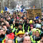В субботу на акции «желтых жилетов» во Франции вышли более 50 тысяч человек