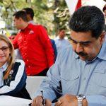 Мадуро поддержал досрочные парламентские выборы в Венесуэле