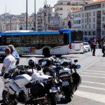 Неизвестный напал с ножом на людей в Марселе