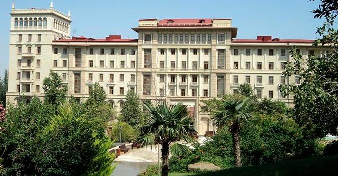 С 5 апреля передвижение в Азербайджане будет ограничено
