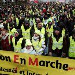 Во Франции проходят протесты на фоне осквернения еврейского кладбища