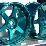 В Туркменистане запретили цветные диски