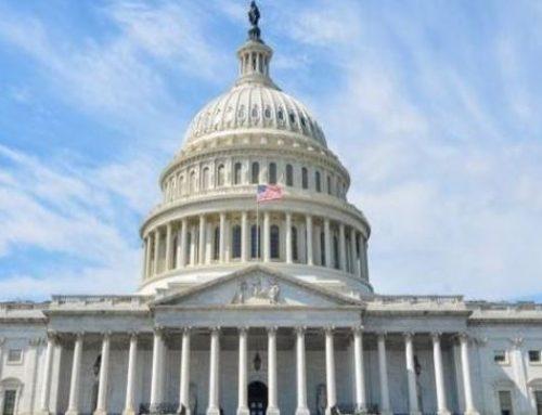 Конгресс США потребовать документы у лиц из окружения Трампа